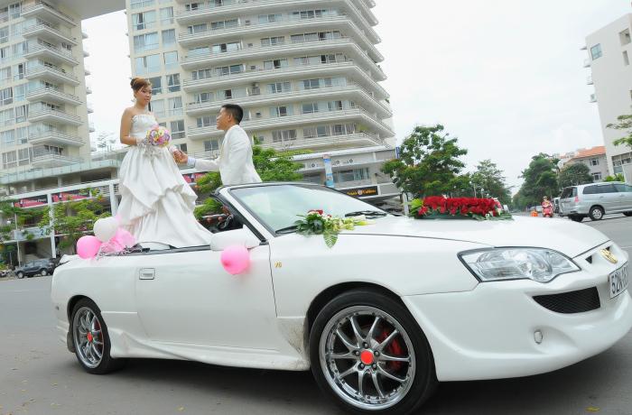 (Ảnh minh họa: Xe hoa cưới đẹp)