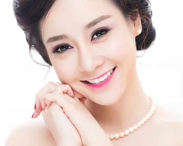 Kết quả hình ảnh cho trang điểm cô dâu làn da khỏe đẹp