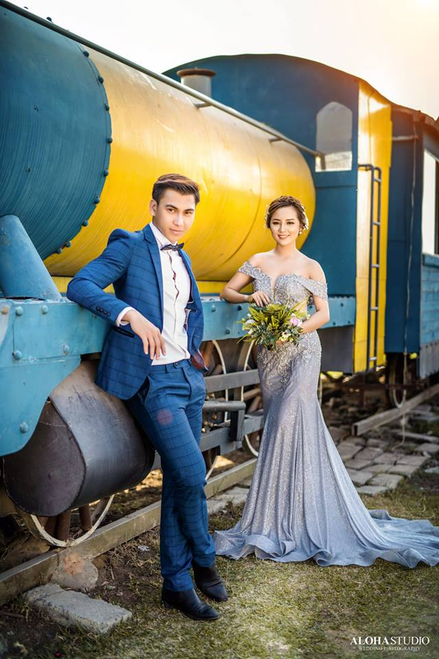 váy cưới màu ghi xám