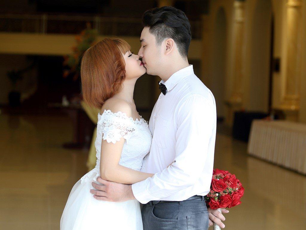 Địa điểm chụp ảnh cưới tại phố đi bộ Nguyễn Huệ