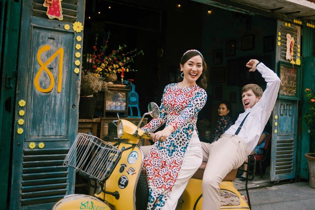 Địa điểm chụp ảnh cưới tại quán cà phê Sài Gòn