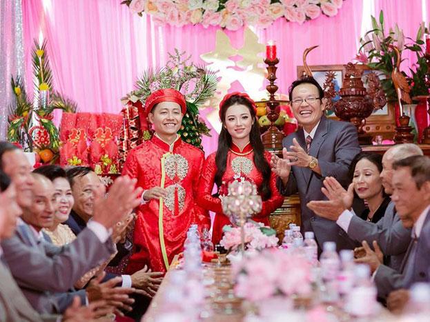 Ảnh 1 – Bài phát biểu đám cưới luôn là phần quan trọng không thể thiếu của buổi lễ.