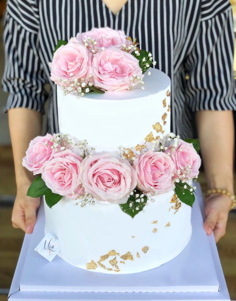 Chọn màu bánh theo tông màu chủ đạo của tiệc cưới