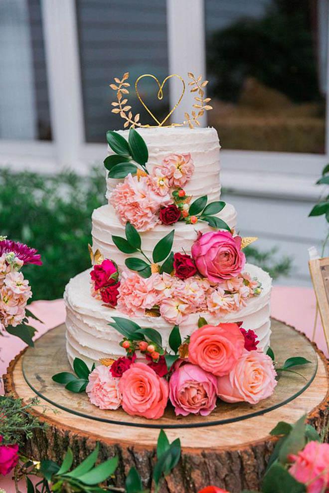 Chiếc bánh vừa thể hiện sự gắn kết trong tình yêu đôi lứa lại vừa mang đến giá trị thẩm mỹ ngay trong chính buổi lễ trọng đại