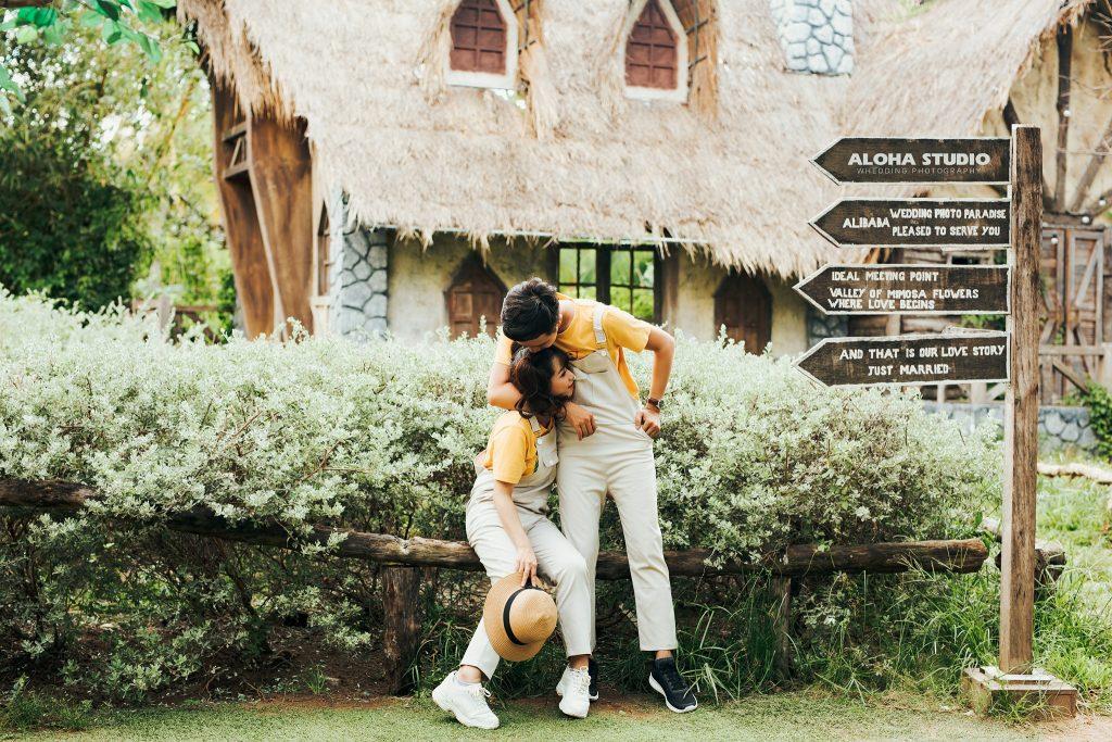 Ảnh cưới đẹp mặc đồ đôi Amor Couple