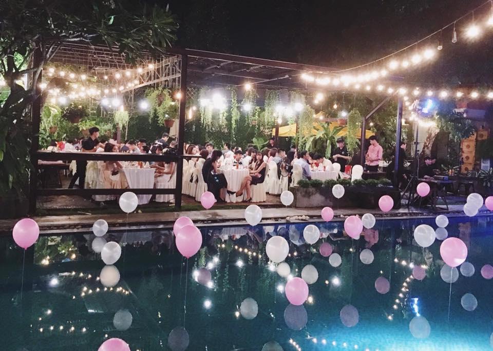 tổ chức tiệc cưới ngoài trời