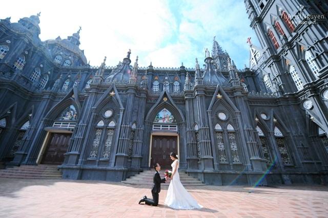 Chụp anh cưới nhà thờ cổ Nam Định