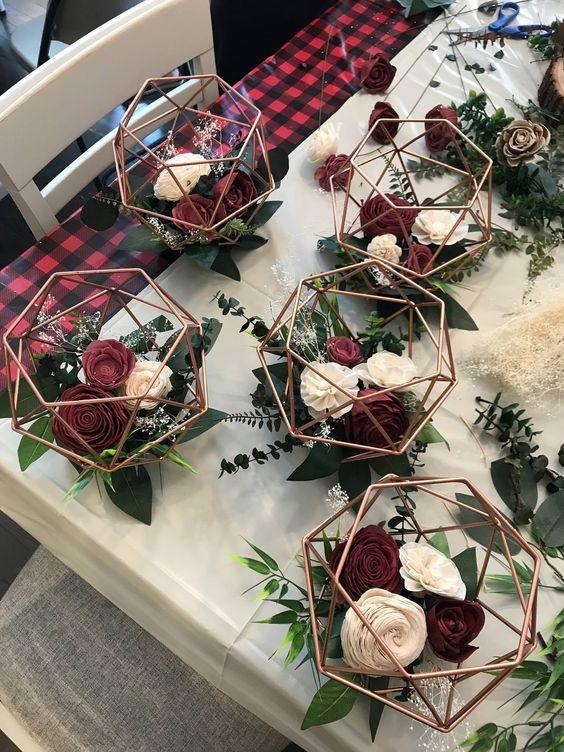 cách cắm hoa hồng trong đồ decor 1