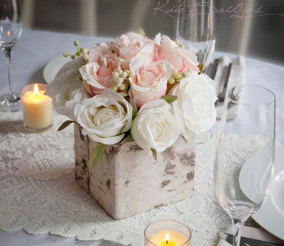 cắm hoa trong hộp gỗ sáng tạo
