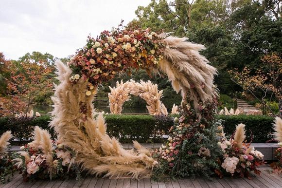cổng cưới như truyện cổ tích