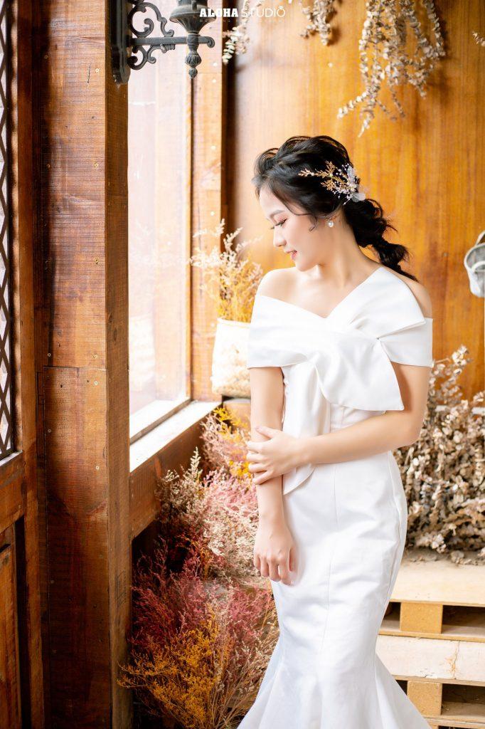 váy đuôi cá cho cô dâu bầu