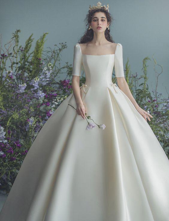 váy cưới đẹp cổ vuông
