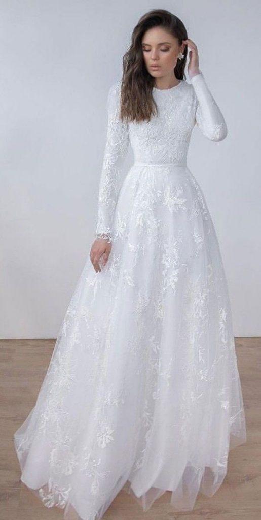 váy cưới chữ A cổ tròn