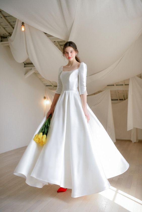 váy cưới chữ A cổ vuông