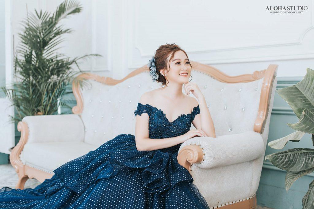 váy cưới dáng bồng màu xanh dương