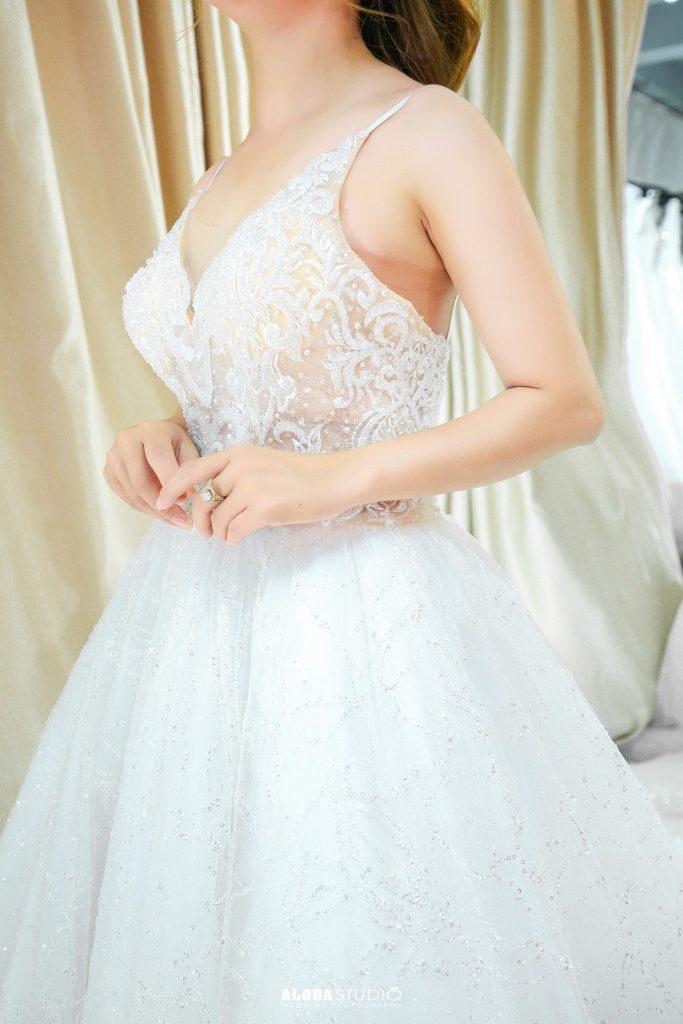 váy cưới hai dây xòe