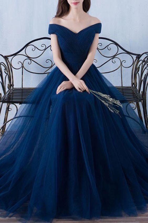 váy cưới màu xanh navy