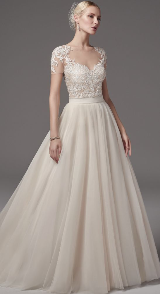 váy cưới tay hến chữ A