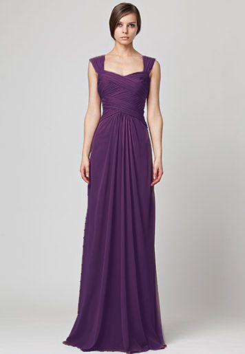 váy cưới tay hến màu tím