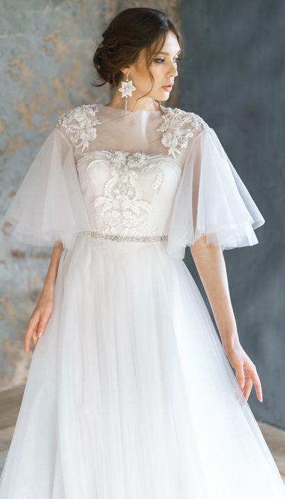 váy cưới tay phồng
