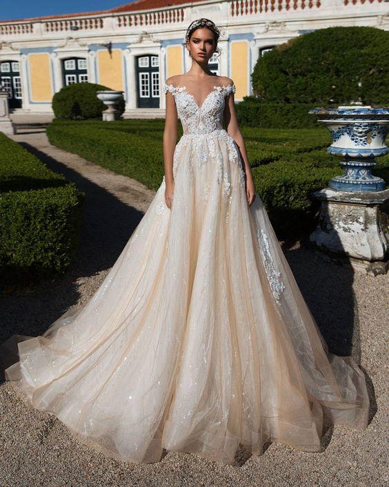 váy cưới xòe 2 trong 1