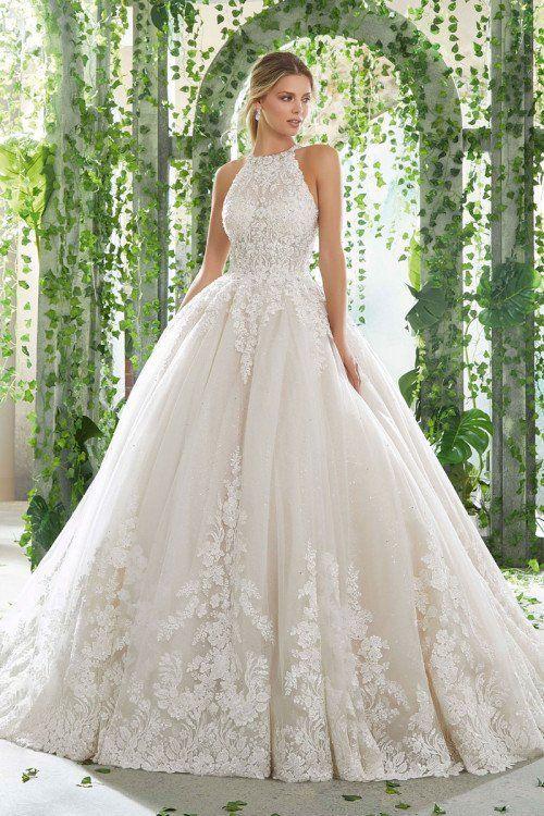 váy cưới xòe bồng cổ yếm