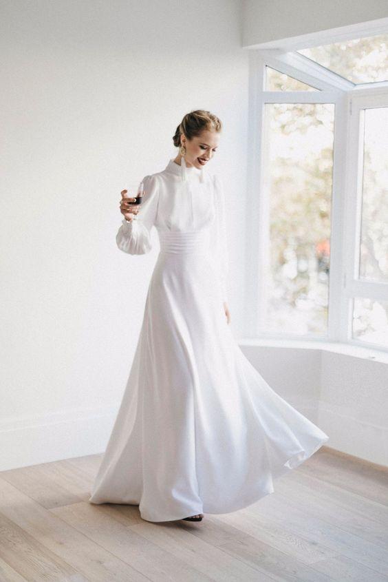 váy dạ hội đi chào bàn