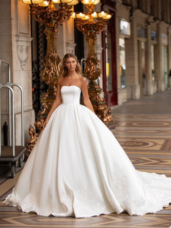 Váy cưới phi trơn công chúa