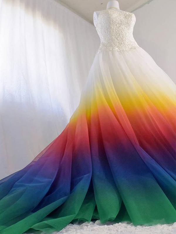 Váy cưới 7 màu nổi bật