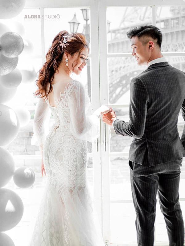 Áo cưới ôm body màu trắng
