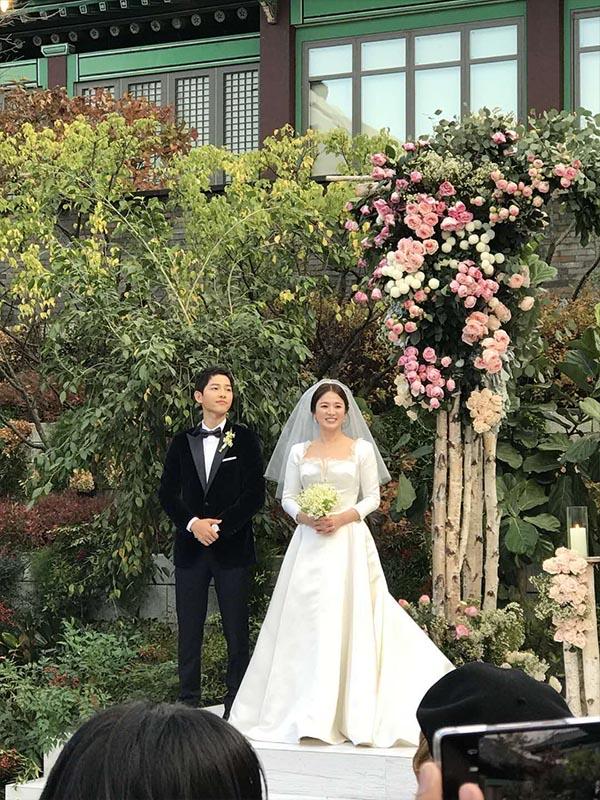Váy cưới đẹp nhất thế giới - Song Hye Kyo